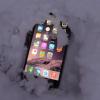 聖なる夜の奇跡。iPhone 6 Plus、クリスマスを雪の中で生き抜く