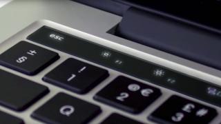MacBook Proに搭載されるOLEDタッチパネルの名称は「Magic Toolbar」に?