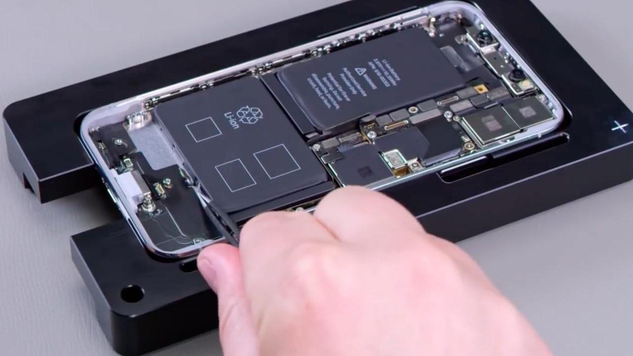 Apple iPhone X repair process