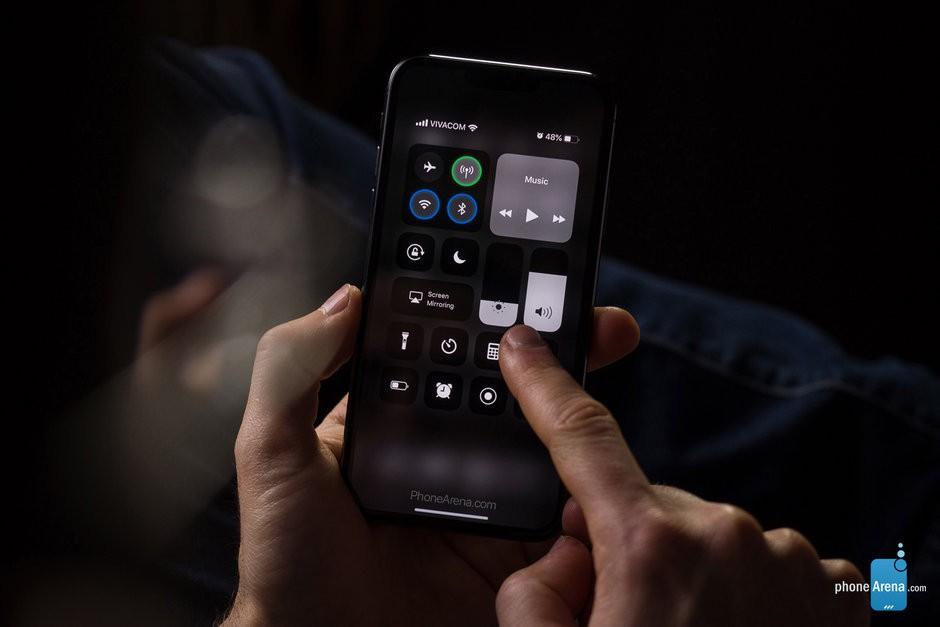 Ios 13 iphone xi dark mode control center